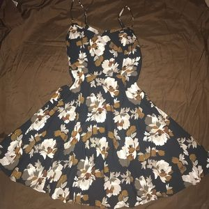 Dresses & Skirts - To make room in my closet